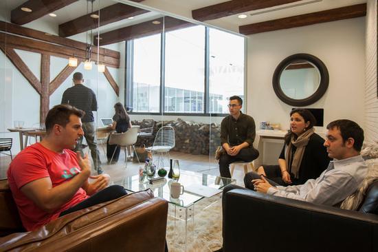 Airbnb开会讨论出售私有股票给共同基金