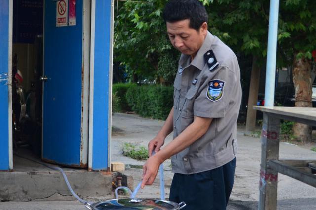 【第2期】杭州保安爱心凉茶摊