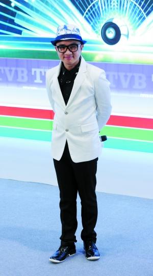 王祖蓝日前出席了TVB 2015年综艺节目推介记者会,他今年将推出新节目《Super扮嘢王》。