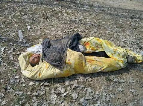江苏一名老人被扔到荒郊等死 救治后已死亡