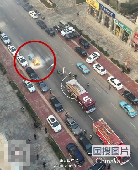 大连一出租车发生爆炸。