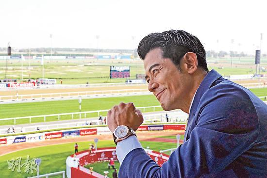 郭富城以浪琴表代言人身份前往迪拜出席世界杯赛马盛事。
