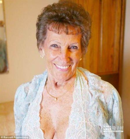 雪莉已经80岁了