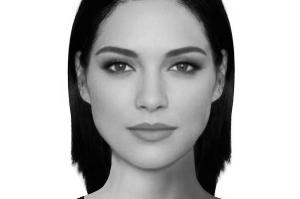 软件在合成的时候考虑了诸如嘴唇的厚度、鼻子的长度和宽度以及发际线的高低等等因素。