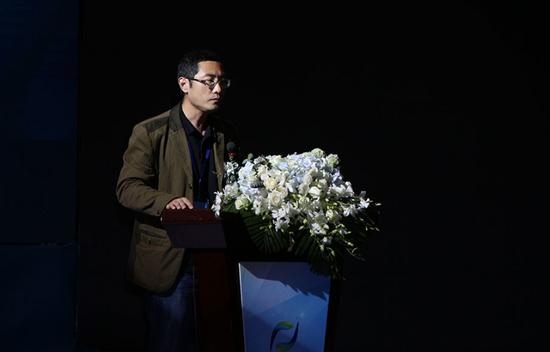 网龙CEO刘路远分享在线教育视频,认为教育改革势在必行。