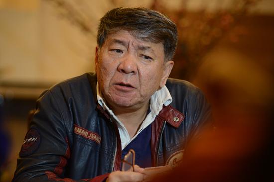 郑晓龙承受采访