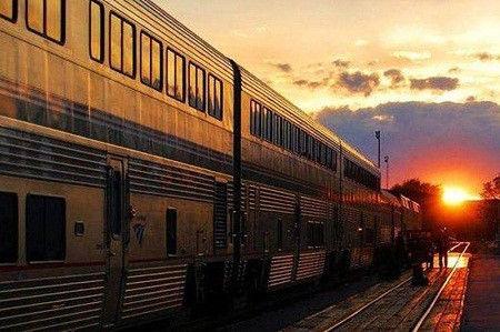 资料图:美国铁路运行的列车(非事发列车)。