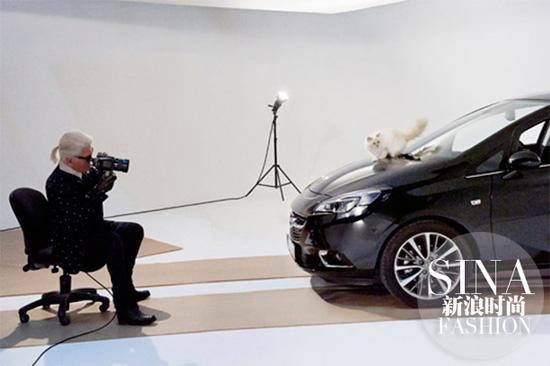 Choupette出镜为Opel汽车拍摄日历
