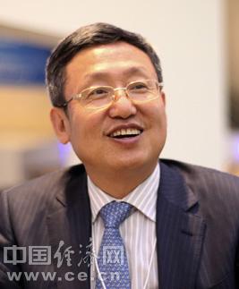 戴玉林,男,1959年生于江苏,1992年7月毕业于东北财经大学博士。