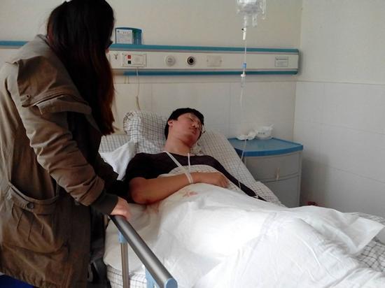 受伤城管正在医院接受治疗