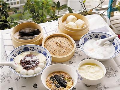 豆腐脑、海参蒸蛋。