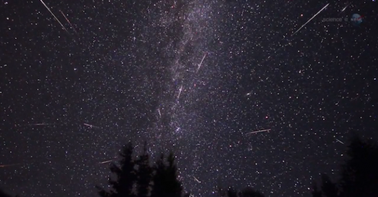 图注一:今夜午夜至明天清晨将上演2015年度的天琴座流星雨,预计流量约每小时10~20颗