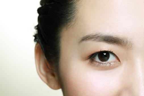 如何去黑眼圈 6个按摩手法清除黑眼圈超有效