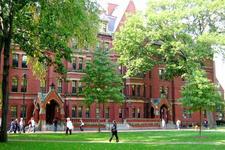 """哈佛被曝""""剥削""""研究生:薪酬少却是教学主力"""