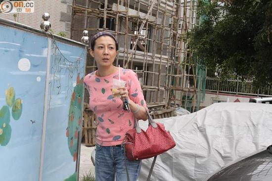吴绮莉称不知卓林去向,并要通过社工才能与女儿沟通