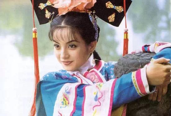 23岁,全中国没人不认识她--小燕子