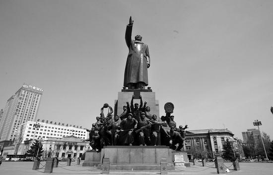 沈阳中山广场毛主席雕像设计者孙家彬离世