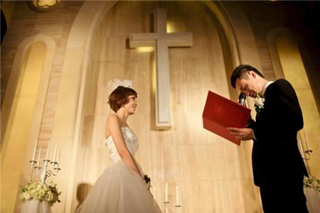 盘点婚礼上的奇葩爱情宣言 你笑了吗?