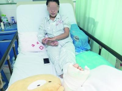李敏然在医院接受治疗