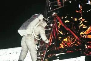 流言揭秘:人类登月是骗局吗?