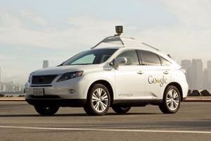 美国批准自动驾驶卡车上路 仍配备一名驾驶员