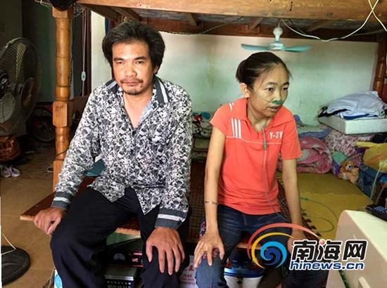 李云秀和丈夫李邵阳(三亚新闻网记者刘丽萍摄)