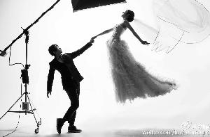 刘谦与女友婚纱照