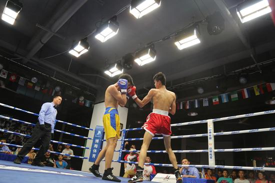 """""""博海争霸""""CBCU2015系列赛第二场比赛于5月9日在博海拳击俱乐部开战,本场比赛的选手由云南、辽宁、海南、江苏四地的拳击俱乐部成员组成,即便选手偏年轻化,主要以新人为主,但依然看点十足。"""