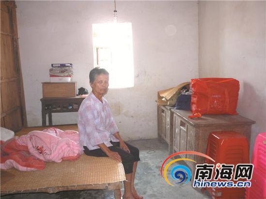 阿婆的近2万元养老钱放在木柜里被盗。