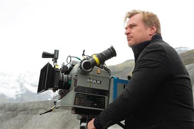 克里斯托弗·诺兰在《星际穿越》片场使用IMAX摄影机拍摄。