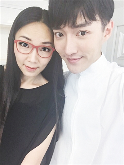 马薇薇(左)肖骁(右)