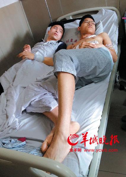 两名伤者共用一张病床
