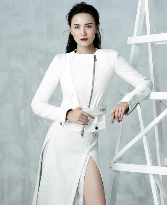 第18届上海电视节视后宋佳以评委身份再度返来