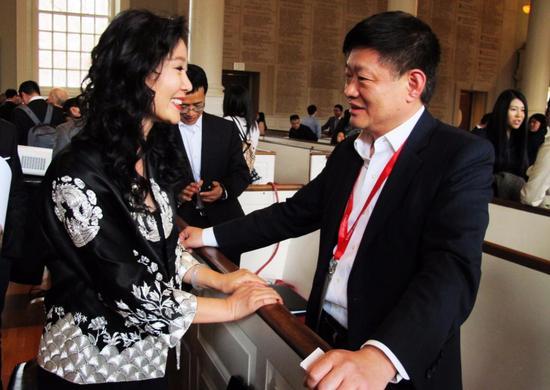 哈佛中国论坛首位珠宝人 东宫珠宝丁戟女士图片