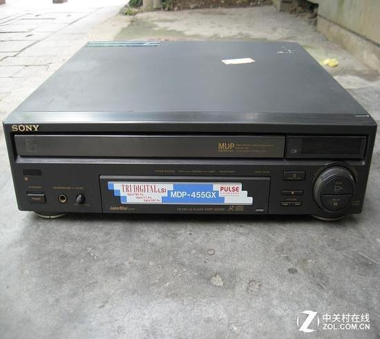 在VCD机发明之前,日系品牌的LD影碟机占据绝对的市场份额