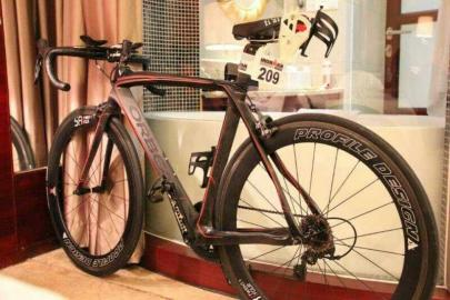 失踪的铁人三项自行车价值4万多元。