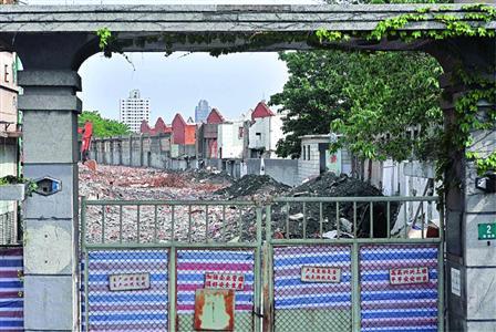腾越路2号英商班达蛋行旧址已被拆成废墟