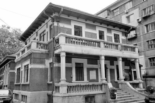 沈阳三经街藏8座老建筑。