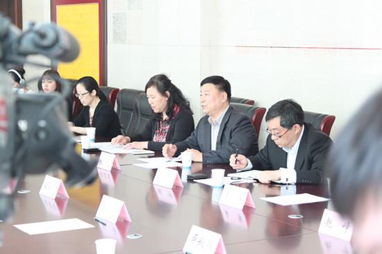 北京视协秘书长张连生掌管会议