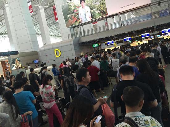 截至今天14点,广州白云机场延误一个小时以上未出港的航班为105班,出