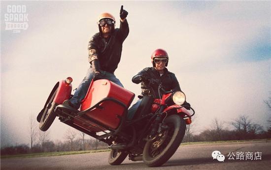 情人摩托车是老挎斗最a情人的小娃娃哪里有进石膏男人的图片