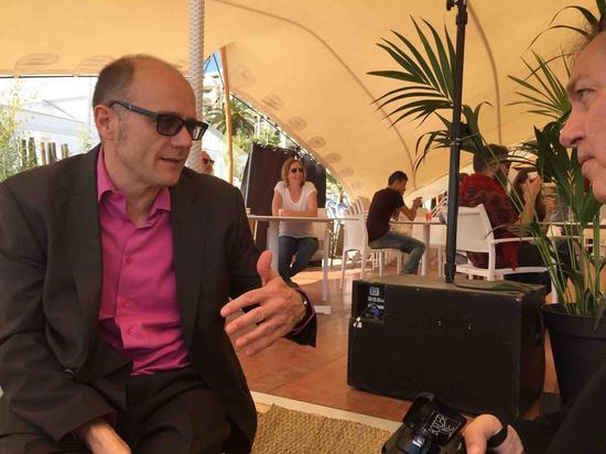 戛纳电影节导演双周单元的执行主席接受采访时大谈兔侠