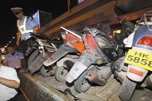 石家庄5个半小时查78辆违规摩托车