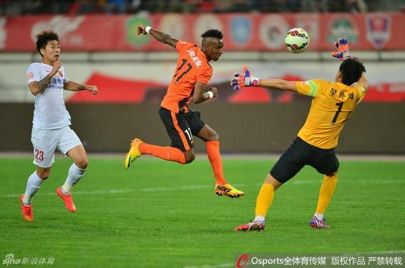 中超最佳阵:杨旭郜林领攻击线 京鲁悍将统后防