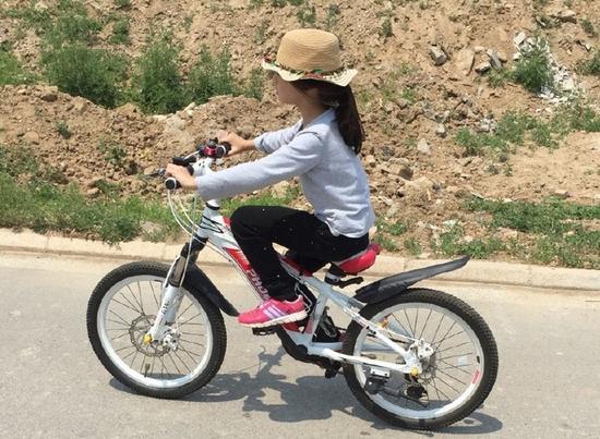 森碟骑自行车