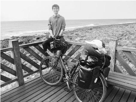 单腿男孩为圆环球梦,76天跨国骑行8000余里