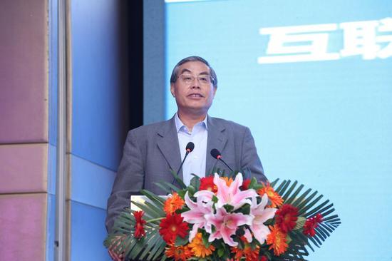 北京邮电大学教授吕廷杰