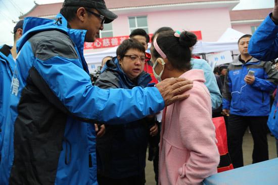 韩红:一个人到百人的公益坚持