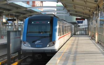 轻轨1号线将包装成绿色如热带雨林