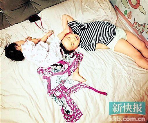 小花生米和小米非常要好,睡觉都要黏在一起。